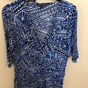 🍀 Tribal print in blue and white